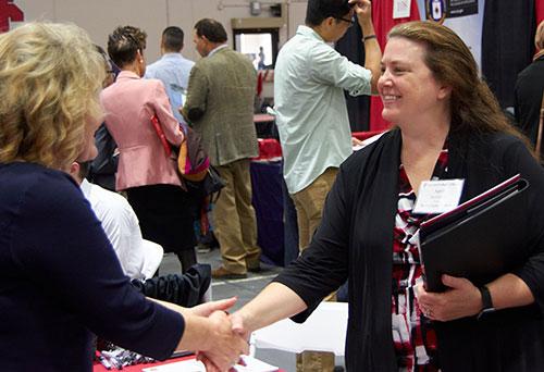 Student-meets-employer.web